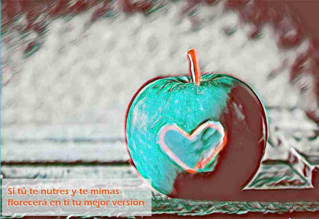 Manzana con corazón en el centro, como imagen de la reflexión-poética la Vida es como la Fruta. Creada por Fernando González de Zárate Alonso, profesional de las Terapias Naturales No Sanitarias